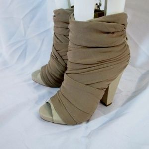 NEW GIVENCHY RUCHED WRAP LEATHER PEEP Toe Sandal